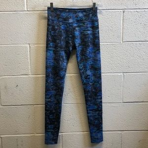 Beyond Yoga blue and black legging, sz s, 61463
